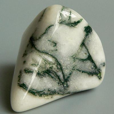 рисунки на полированных камнях